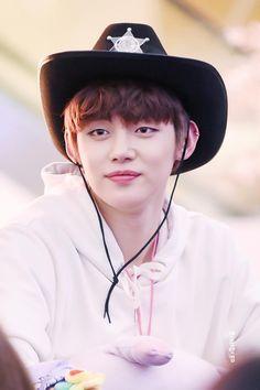 O Cowboy, Choi Daniel, The Dark World, Korean Bands, Kpop, Asian Men, Boy Bands, Boy Groups, Cute Boys