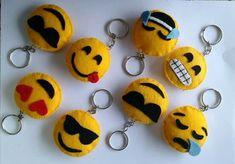 Smilee from felt Felt Diy, Felt Crafts, Crafts To Sell, Diy And Crafts, Emoji Craft, Felt Keychain, Keychains, Felt Patterns, Felt Dolls