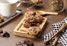 Cocina con Nestlé Postres | Nestlé Cocina Cereal, Muffin, Food And Drink, Breakfast, Desserts, Tres Chocolates, Yummy Yummy, Gluten, Gastronomia