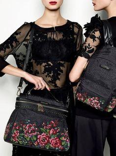 fdf9d9e3d90b TWIN-SET Simona Barbieri  Lace blouse and embroidered skirt