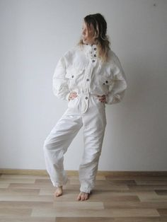 Vintage Women s Ski Suit Ivory White One Piece Jumpsuit Retro Snowsuit  Hipster Winter Wear Medium Size Winter Sport Jumpsuit 90s Ski Suit 75eb3579c