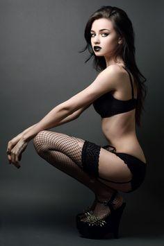 Felice Fawn idk who this is, but she's hot. Tribal Fusion, Girls In Love, Cute Girls, Dark Black, Felice Fawn, Beautiful People, Beautiful Women, Pretty People, Lingerie Shoot