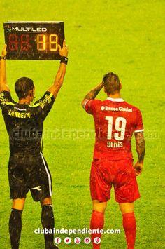 """Luego de 8 años, Germán Denis vuelve a vestir la camiseta del """"Rojo""""."""
