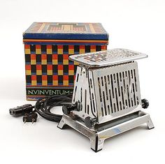 Metal toaster Inventum in original box with graphic Art-Deco design of Frederika Sophia Fré Cohen 1903-1943