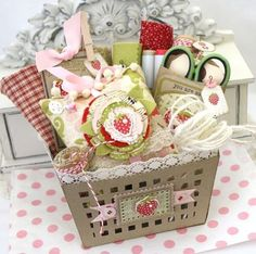 Strawberry Theme Sewing Gift Basket by Melissa Phillips for Papertrey Ink (April… Strawberry Crafts, Strawberry Decorations, Strawberry Patch, Strawberry Fields, Strawberry Shortcake, Coin Couture, Craft Gifts, Diy Gifts, Handmade Gifts