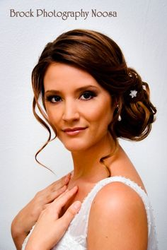 Curled side bun wedding hairstyle #weddinghairstyles