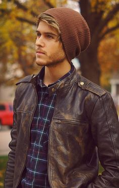 Adam Gallagher - Autumn look: beanie, leather jacket, plaid Adam Gallagher, Sharp Dressed Man, Well Dressed, Guys In Beanies, Look Fashion, Autumn Fashion, Guy Fashion, Mens Fashion Hats, Fashion Styles