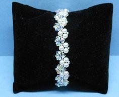 Perle und Kristall Armband Swarovski Gemacht mit Swarovski-Perlen,Kristall und japanischen Rocailles.  Perlen sind weiße Farbe.