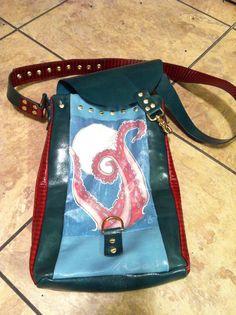 Moonlit Kraken messenger bag part deux