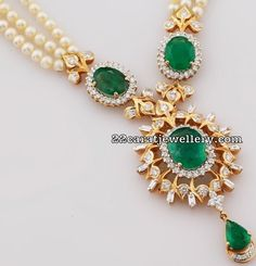 Pearls Set with Diamond Emerald Pendant with Earrings - Jewellery Designs India Jewelry, Temple Jewellery, Pearl Jewelry, Wedding Jewelry, Antique Jewelry, Beaded Jewelry, Simple Jewelry, Modern Jewelry, Gold Models