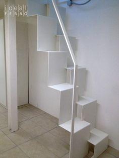 """Scala alla marinara Scala salva spazio alla """"marinara"""" (oppure a """"Le Corbusier""""), in lamiera piegata/saldata, verniciata color bianco. La struttura riesce a stare in spazi molto ristretti; nello specifico il foro misura 140 cm, su un dislivello totale di 260 cm. Small Space Stairs, Space Saving Staircase, Compact Stairs, Arched Cabin, Vertical Garden Design, Archi Design, Condo Remodel, Stairs Architecture, Wine Wall"""