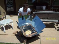 Learn to cook with the sun using our step by step solar cooking recipes. Solar Oven Diy, Diy Solar, Oven Cooking, Easy Cooking, Oven Recipes, Cooking Recipes, Paneer Cheese, Solar Cooker, Pizza Burgers