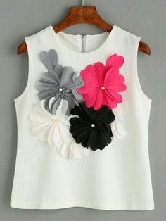 SheIn offers White Flower Applique Sleeveless Textured Top & more to fit your fashionable needs. Look Fashion, Diy Fashion, Fashion Clothes, Fashion Dresses, Fashion Design, Woman Outfits, Kids Outfits, Cute Outfits, Diy Clothes
