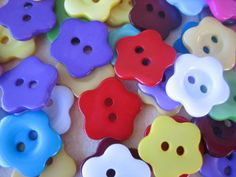 20PCS  Mixed Colors  Star Flower 2 Hole Buttons  Great by ZARDENIA, $4.00