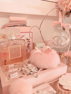 Low Budget Home Decoration Ideas Referral: 7053273550 Peach Aesthetic, Classy Aesthetic, Bad Girl Aesthetic, Aesthetic Collage, Aesthetic Pastel Pink, Bedroom Wall Collage, Photo Wall Collage, Picture Wall, Mode Rose