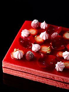 Opera L'amour - Rose petal mousse, rose finger sponge, raspberry jelly, strawberry, rose meringue