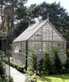 Ellie Mae's Cottage: Dreaming of Greenhouses