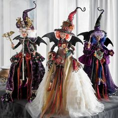Shop for witch decorations and witch figures at Grandin Road Halloween Haven. Find witch decor and flying witch decorations to bewitch your home this Halloween. Halloween Mantel, Halloween Doll, Spooky Halloween, Holidays Halloween, Halloween Crafts, Halloween Decorations, Halloween Party, Halloween Christmas Tree, Halloween Poems