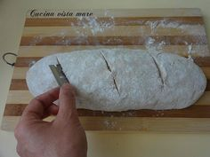 Formatura e pezzatura del pane Cucina vista mare