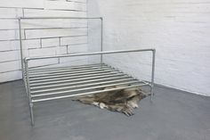 Galvanised Steel Pipe Super Kingsize Bed - Bespoke Urban Furniture by www.inspiritdeco.com par inspiritdeco sur Etsy https://www.etsy.com/fr/listing/181506528/galvanised-steel-pipe-super-kingsize-bed