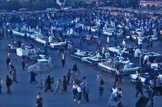 Atardecer en la Plaza Djemaa el Fna, Marraquesh. Marruecos.   [By Valentin Enrique].
