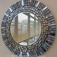 Resultado de imagen para mosaic mirror Mosaic Tile Art, Mirror Mosaic, Mosaic Crafts, Mirror Art, Mosaic Projects, Diy Mirror, Mosaic Glass, Mosaics, Stained Glass