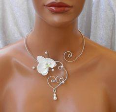 Collier orchidée blanche coeur arabesque Perles alu argenté Mariage fête : Collier par soleildelune-bijoux-mariage-ceremonie