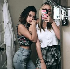 Millie Bobby Brown and Lilia Buckingham Millie Bobby Brown, Cowgirl Style Outfits, Cute Outfits, Lilia Buckingham, Brown Swimsuit, Bobby Brown Stranger Things, Brown Outfit, Brown Fashion, Bobbi Brown