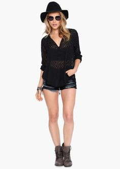 V-neck the chest buckle wave loose shirt