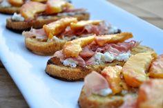 peach, prosciutto & ricotta crostini