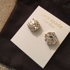 Kate spade earrings! Clear color Kate spade earrings. Comes with jewelry bag. Beautiful classic! kate spade Jewelry Earrings