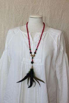 collar de ágatas fresa con plumas