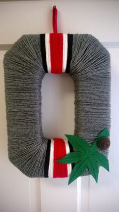OSU Scarlet and Grey Helmet Block O Yarn Wreath, Buckeyes, Go Bucks, Ohio State University, scarlet and gray
