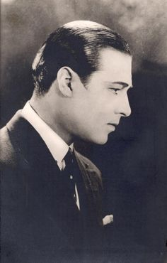 "Rodolfo Valentino in the movie ""Cobra"". [Rodolfo Valentino im Film ""Cobra"". Vintage Vibes, Vintage Men, Rudolph Valentino, Horsemen Of The Apocalypse, Vintage Hollywood, Hollywood Glamour, Classic Hollywood, Silent Film Stars, Star Wars"