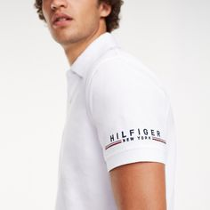 Polo con logo en la manga   Tommy Hilfiger Polo Shirt Style, Polo Shirt Outfits, Mens Polo T Shirts, Polo Tees, Sports Shirts, Mens Sweatshirts, Tee Shirts, Sport Shirt Design, Polo Design