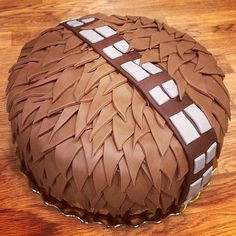 Celebrate your Star Wars-loving kid with a birthday cake that's out of this galaxy! Let these themed cakes inspire your child's Star Wars cake! Birthday Cakes For Men, Star Wars Birthday Cake, Cakes For Boys, Birthday Cupcakes, Boy Birthday, Birthday Parties, Birthday Goals, Birthday Ideas, Bolo Star Wars