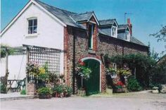 Watchmaker's Cottage, Ross-On-Wye, tel. 01989 770369