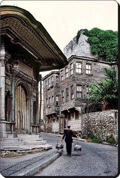 Sultanahmet / Sogukcesme sokagi 1970  Ara Guler