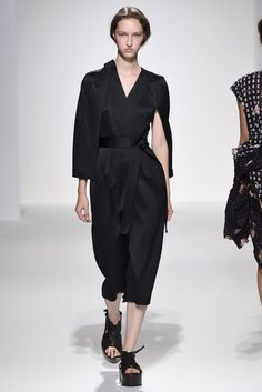 Chalayan Spring/Summer 2017 Ready-To-Wear Collection | British Vogue