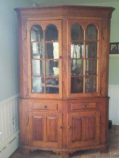 Amazing C. 1830's Curly Tiger Maple Corner Cabinet Cupboard Vintage Antique