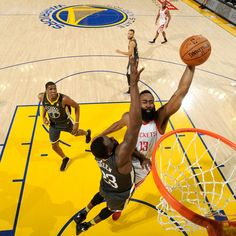 4558e16d734 Twitter in Disbelief After James Harden s Iconic Dunk over Draymond Green