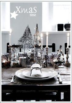 Un bianco Natale corretto con piacevoli tocchi di nero pensati per spazi minimal, con una vocazione nordica molto accentuata. ...