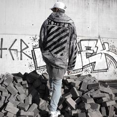 In the Concrete Jungle Urban Street Style, Street Style Trends, Street Outfit, Street Wear, Off White Hoodie, Gucci Outfits, Its A Mans World, Street Culture, Swagg