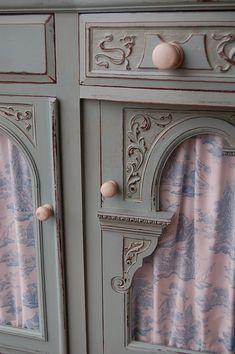 duck egg blue Chalk Paint® decorative paint by annie sloan