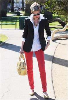 I'm pretty sure Angie's pants are that tomato red she likes, but close enough. :)