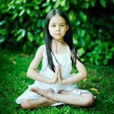 Yoga Infantil: 17 razones - http://hermandadblanca.org/2013/09/19/yoga-infantil-17-razones/