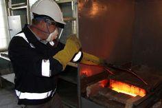 Лаборатория ППГХО приступила к опытным испытаниям по получению золото-серебряного сплава из отходов своего производства. На полигоне предприятия накоплено более 4,5 млн тонн сырья, содержащего благородные металлы.