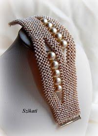 Szikati oldala: Elegáns beige RAW karkötő gyöngyökkel / Elegant beige Right Angle Weave bracelet with pearls
