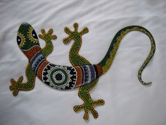 lagartijas en puntillismo decorativas - www.medellintrip.com Aboriginal Patterns, Aboriginal Art, Dot Art Painting, Stone Painting, Quilling, Henna Doodle, Lizard Tattoo, Mosaic Animals, Desert Art
