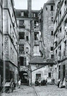 Courtyard and passageway in the Marais Paris 1910's